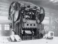 1928 nimmt Schuler bei Opel eine Karosseriepresse zur automobilen Großserienfertigung in Betrieb