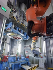 2013_07_30_renault_trucks_bild3